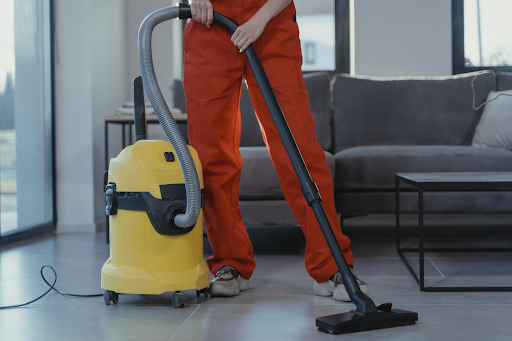 The Advantages of Contracting With A Commercial Cleaning Service